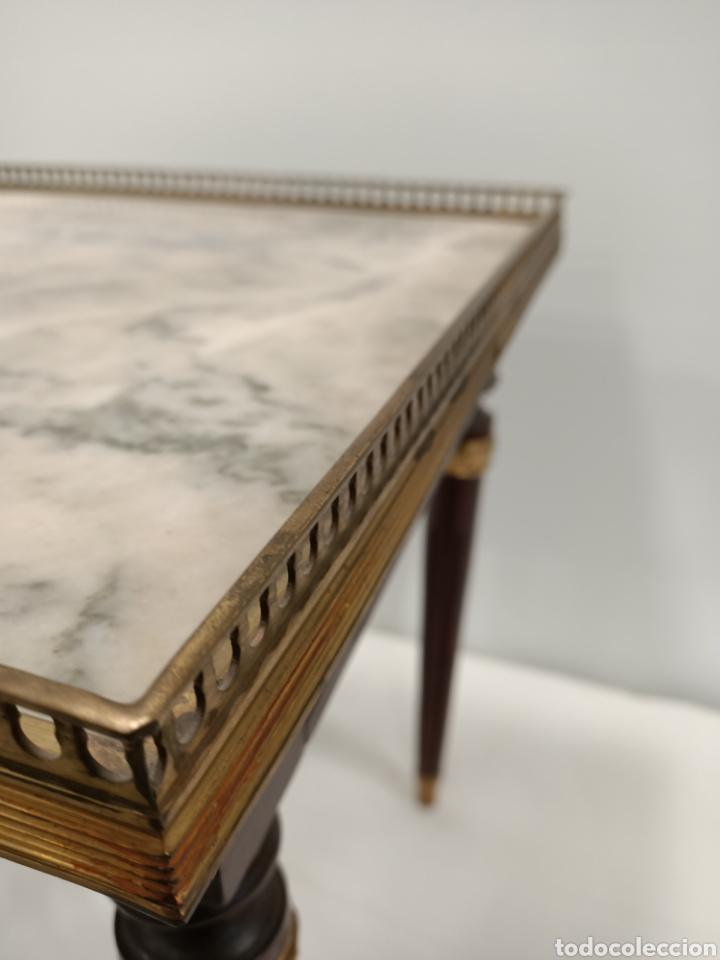 Antigüedades: Mesa auxiliar madera, bronce y marmol - Foto 3 - 195247007