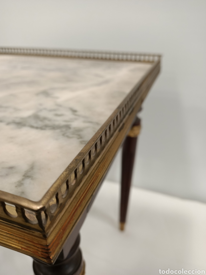 Antigüedades: Mesa auxiliar madera, bronce y marmol - Foto 4 - 195247007