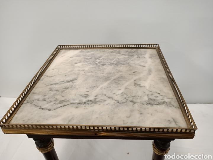 Antigüedades: Mesa auxiliar madera, bronce y marmol - Foto 2 - 195247007
