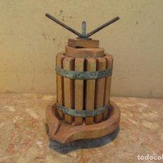 Antigüedades: PRENSA ALMAZARA MADERA HIERRO PEQUEÑA ANTIGUA. Lote 195253640