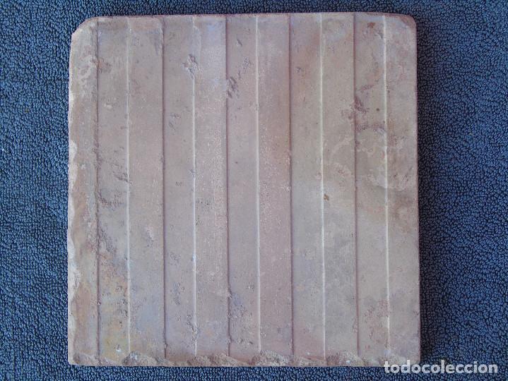 Antigüedades: ANTIGUO AZULEJO CON MARGARITA CENTRAL VERDE, - Foto 2 - 195259482