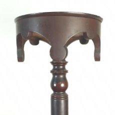 Antigüedades: PEANA DE MADERA TALLADA. BASE EXAGONAL. SIGLO XIX. . Lote 195260862