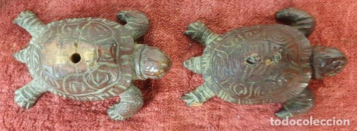 Antigüedades: LÁMPARA DE SOBREMESA. MADERA DE CAOBA. BASES CON FORMA DE TORTUGA. SIGLO XX. - Foto 11 - 195262785