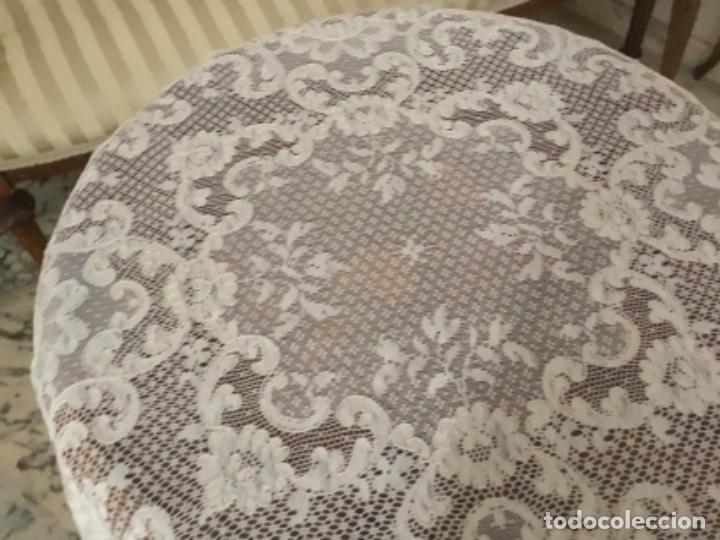 Antigüedades: Mantel de encaje Alenson ,80 cm de diametro - Foto 2 - 195263907