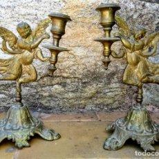 Antigüedades: PAR DE CANDELABROS DE METAL CON ANGELES. S. XIX. Lote 195264540