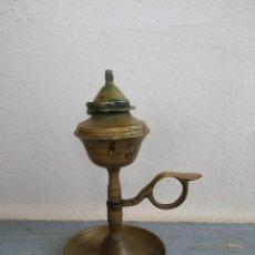 Antigüedades: QUINQUE O CANDIL DE BRONCE O LAMPARA DE ACEITE. Lote 195265773