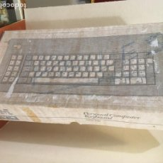 Antigüedades: CAJA ANTIGUA TECLADO DE ORDENADOR IBM PERSONAL COMPUTER KEYBOARD- MIDE 28X54X11 CMS.. Lote 195279370