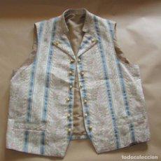 Antigüedades: CHALECO REGIONAL DE HOMBRE - MUY BONITO. Lote 195288560