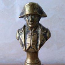 Antigüedades: MUY ANTIGUA CAMPANA DE MANO FRANCESA EN BRONCE MACIZO CON EL BUSTO DE NAPOLEON BONAPARTE. Lote 195302365