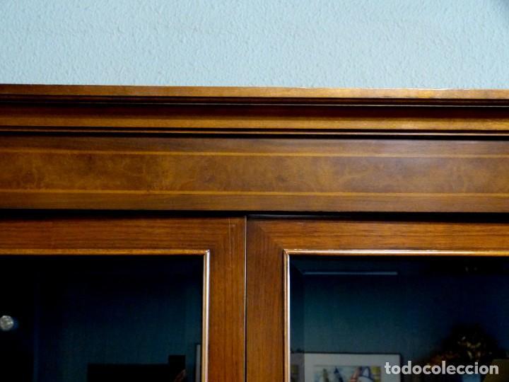 Antigüedades: Vitrina de los años 70 madera maciza - Foto 5 - 195303295
