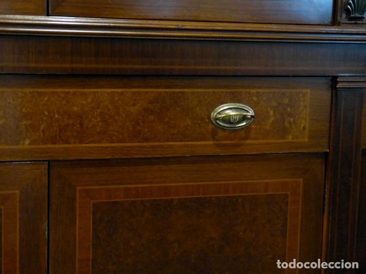 Antigüedades: Vitrina de los años 70 madera maciza - Foto 6 - 195303295