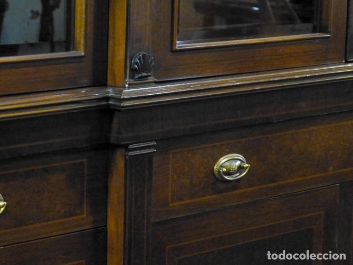 Antigüedades: Vitrina de los años 70 madera maciza - Foto 7 - 195303295
