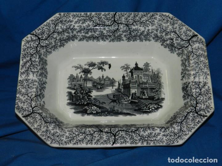 (M) BANDEJA ANTIGUA PICKMAN Y CIA SEVILLA, 33,5X26X8CM, BUEN ESTADO (Antigüedades - Porcelanas y Cerámicas - La Cartuja Pickman)