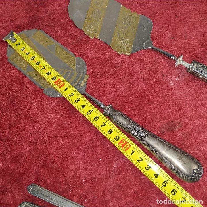 Antigüedades: LOTE DE 5 CUBIERTOS DE SERVIR. METAL CHAPADO EN PLATA. ESPAÑA. SIGLOS XIX-XX - Foto 20 - 195303980