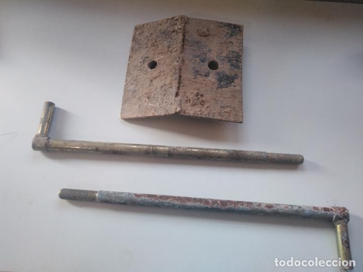 ENGANCHES ORIGINALESN GUARDABARROS AGRIA 3000 3001 (Antigüedades - Técnicas - Rústicas - Agricultura)