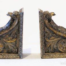 Antigüedades: 2 SUJETA LIBROS DE METAL CON BAÑO DORADO. Lote 195313832