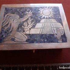 Antigüedades: EXCELENTE CAJA DE PLATA CONTRASTADA DE 950. MÉXICO. MOTIVOS AZTECAS. 279,3 GRAMOS. Lote 195318896
