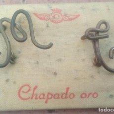 Antigüedades: ANTIGUAS INICIALES EN BROCHES M - C O M - L - LETRAS TIPO ISABELINAS . Lote 195323822