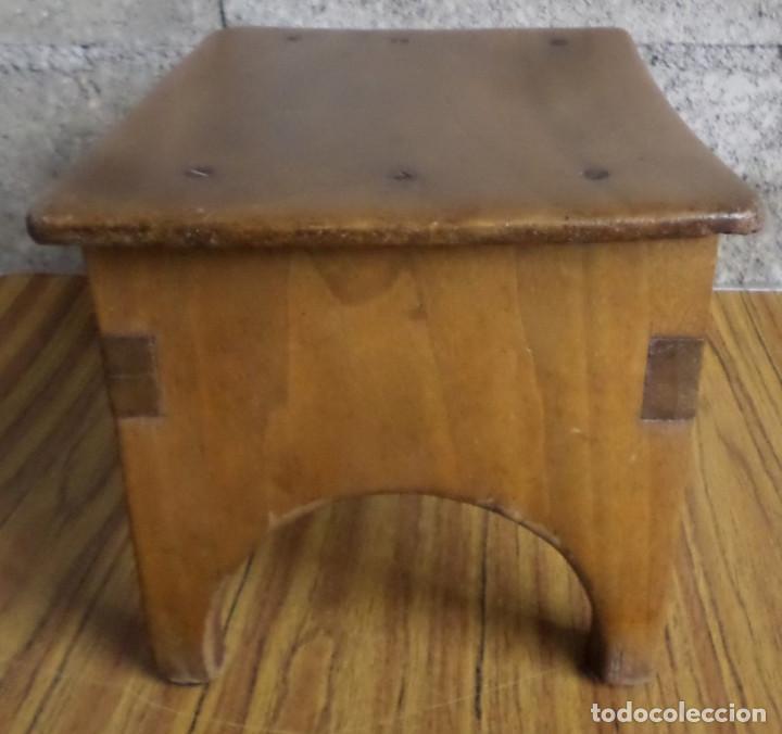 Antigüedades: Banco pequeño -- Creo que de nogal sin polilla - Foto 2 - 195327743