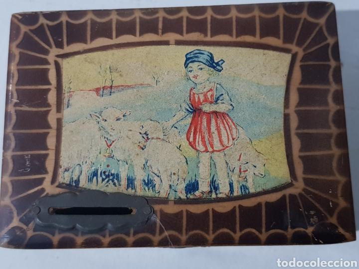 Antigüedades: Hucha de madera antigua? Con cerradura falta la llave 15 x 10 x 5 - Foto 4 - 195334470