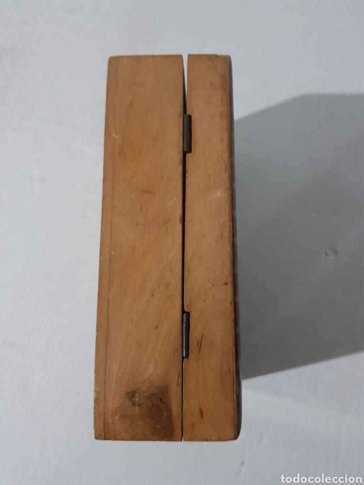 Antigüedades: Hucha de madera antigua? Con cerradura falta la llave 15 x 10 x 5 - Foto 5 - 195334470