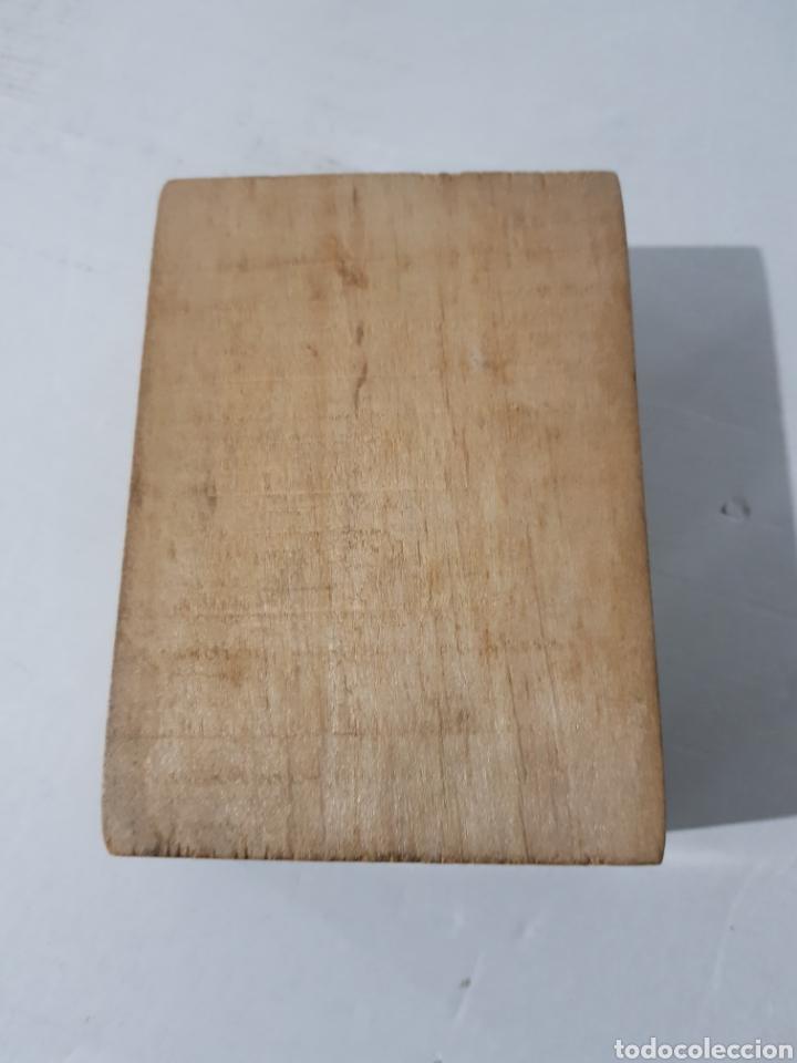 Antigüedades: Hucha de madera antigua? Con cerradura falta la llave 15 x 10 x 5 - Foto 6 - 195334470