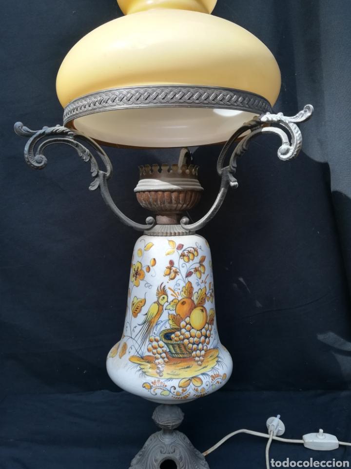 Antigüedades: Antigua lampara de porcelana, bronce y tulipa de opalina - Foto 6 - 195340780