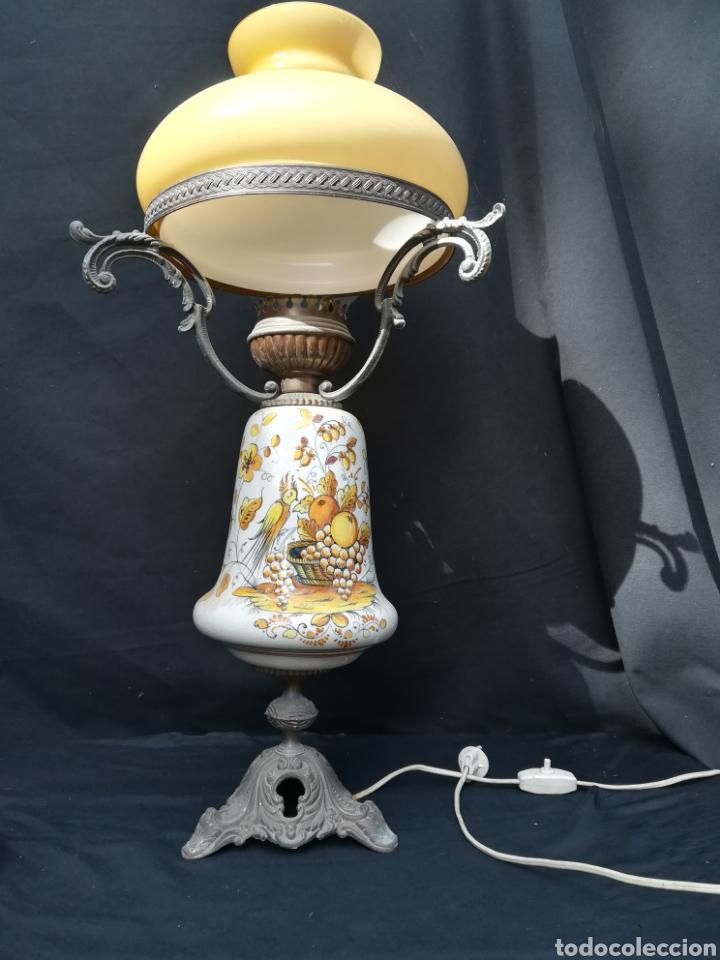 Antigüedades: Antigua lampara de porcelana, bronce y tulipa de opalina - Foto 7 - 195340780