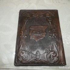 Antigüedades: RARA PORTALIBRETA DE CUERO REPUJADO CON PUBLICIDAD ASEGURADO EN CAMPO MADRID MIREN FOTOS . Lote 195342586