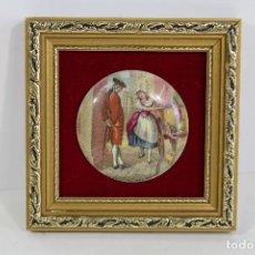 Antigüedades: CUADRO PEQUEÑO CON ESCENA ROMANTICA EN PORCELANA FINA STAFFORDSHIRE. Lote 195347978