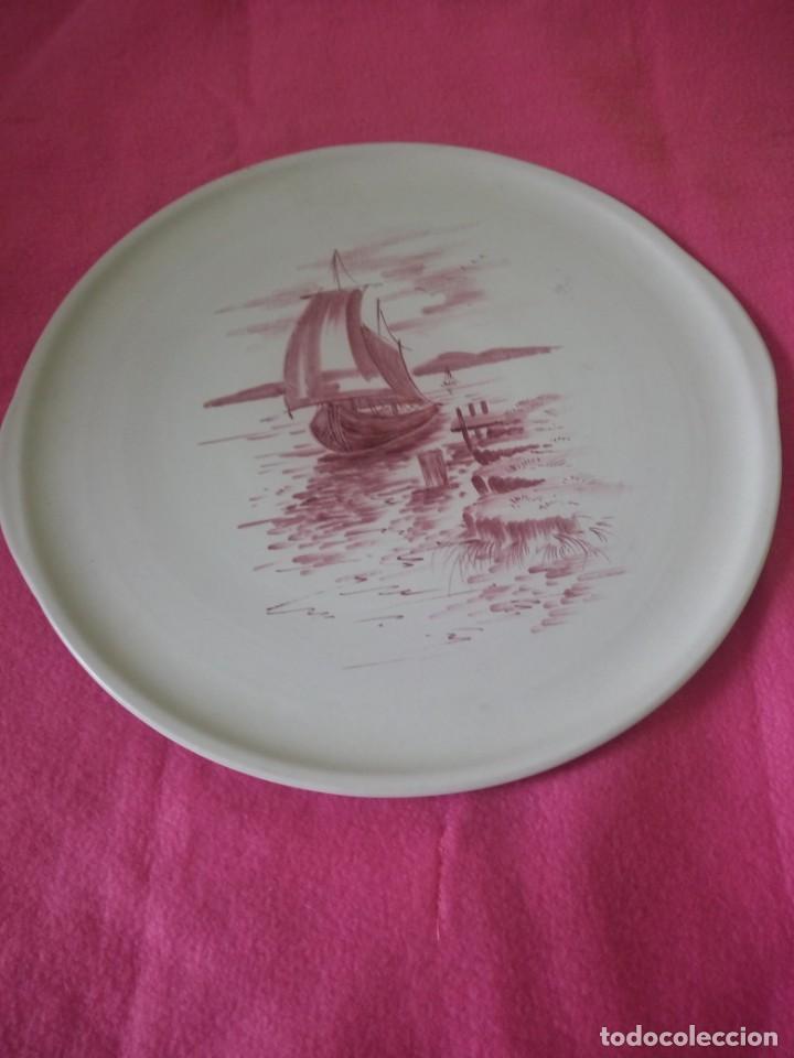 Antigüedades: plato tartero ceramica hand gem a.hans,pintdo a mano firmado,barcos en el lago - Foto 2 - 195364851