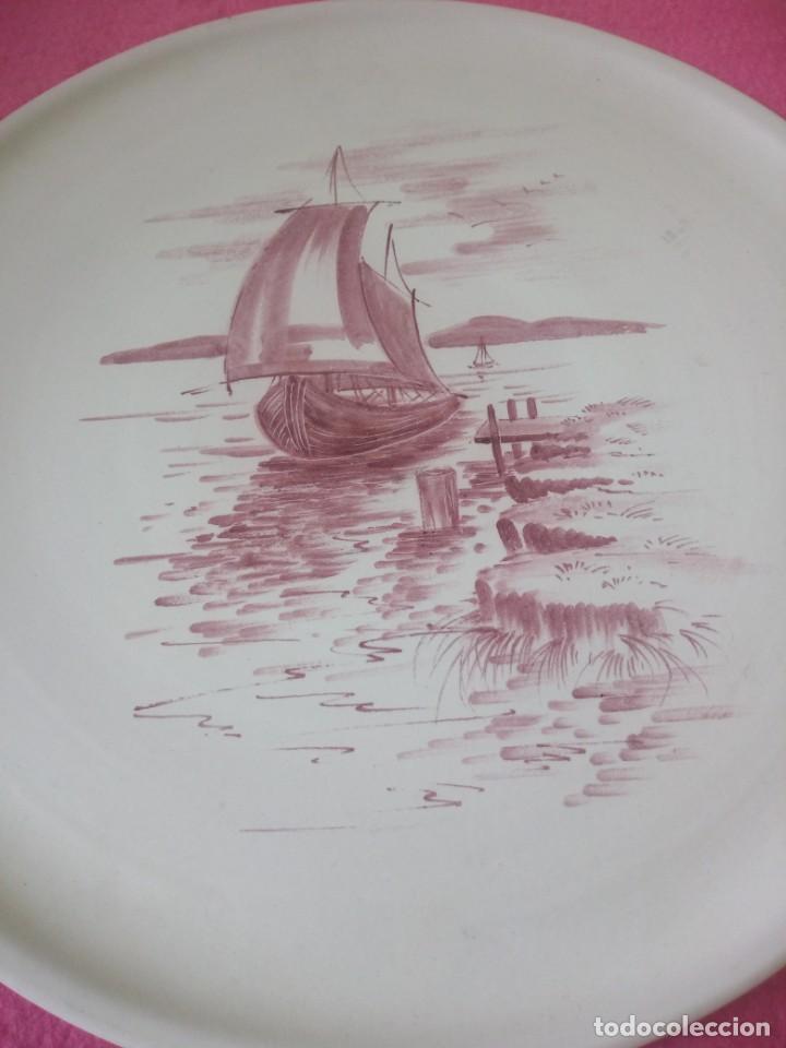 Antigüedades: plato tartero ceramica hand gem a.hans,pintdo a mano firmado,barcos en el lago - Foto 3 - 195364851