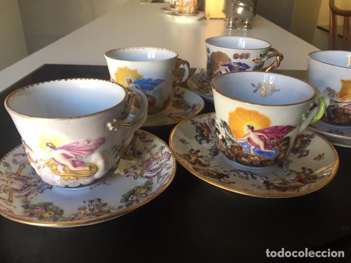 Antigüedades: CAPIDIMONTE. 5 TAZAS DE CAFÉ EN PORCELANA XIX/XX - Foto 2 - 195366045