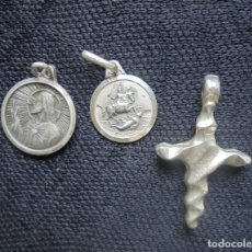Antigüedades: 2 MEDALLAS + CRUZ ANTIGUAS SAN JORGE/VIRGEN DEL CARMEN. Lote 195370485