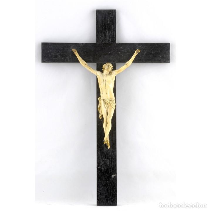CRUCIFICADO EN SIMIL MARFIL. SIGLO XVIII-XIX (Antigüedades - Religiosas - Crucifijos Antiguos)