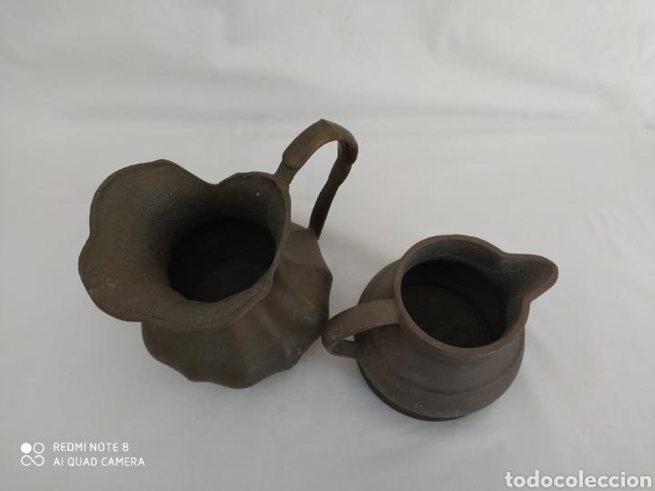 Antigüedades: DOS VIEJAS JARRAS DE BRONCE CON MUCHO PESO - Foto 4 - 195376030