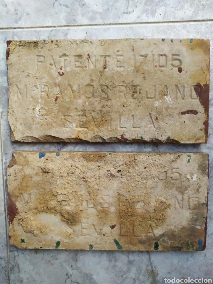 Antigüedades: LOTE DE 2 ANTIGUOS AZULEJOS PATENTE FABRICA M. RAMOS REJANO SEVILLA ORIGINAL PRINCIPIOS SIGLO XX - Foto 4 - 195377180