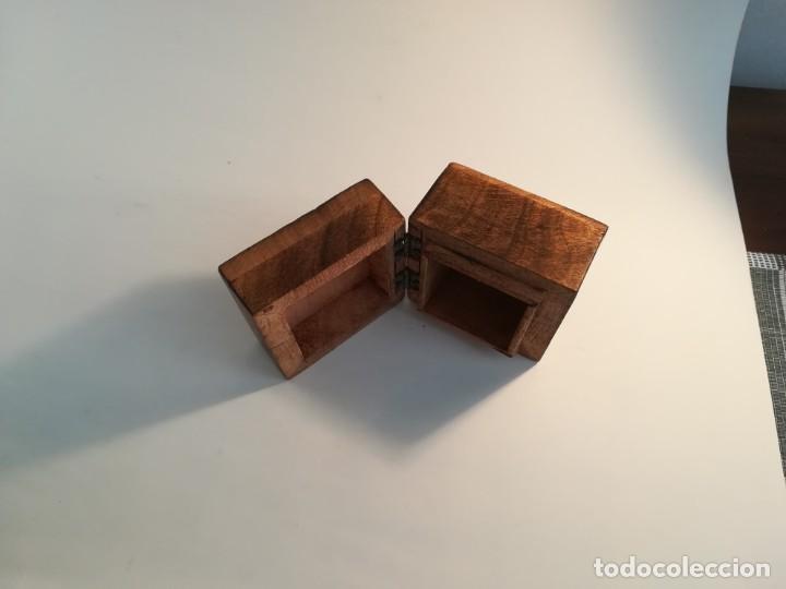 Antigüedades: Pequeña cajita de madera con azulejo - Foto 4 - 195383175