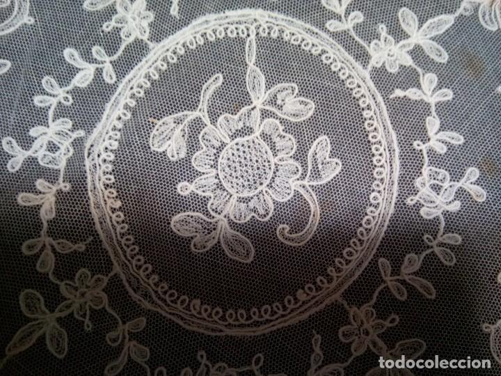 * TAPETES TUL BORDADO. 27 CM. (RF: 163/A) (Antigüedades - Hogar y Decoración - Tapetes Antiguos)