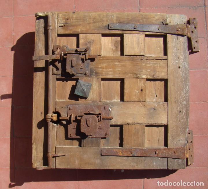 Antigüedades: PUERTA BARROCA DE CAJA FUERTE (ss. XVII-XVIII). EN MADERA Y CON DOS CERRADURAS. - Foto 4 - 195385778