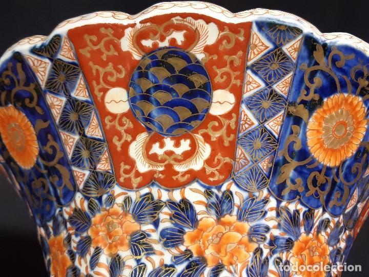 Antigüedades: Pareja jarrones. Porcelana. Imari. Japón. Siglo XVIII-XIX. - Foto 12 - 195388031