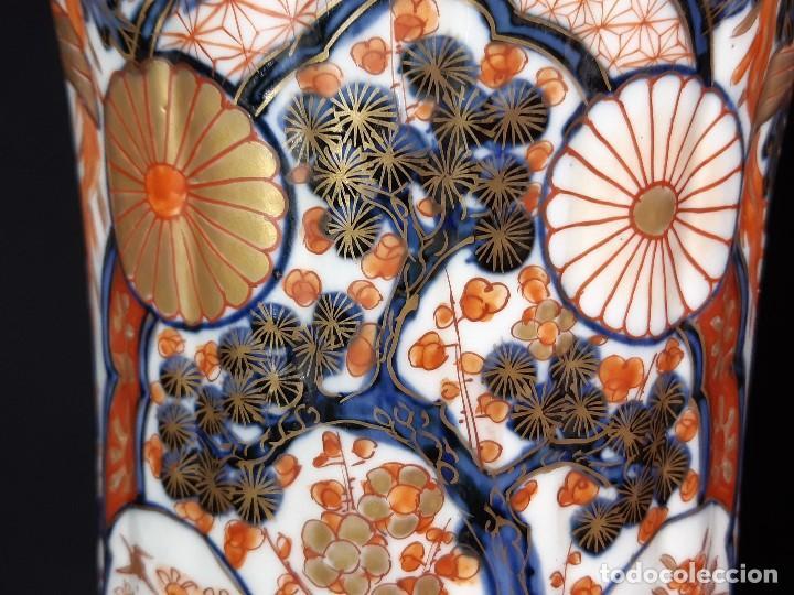 Antigüedades: Pareja jarrones. Porcelana. Imari. Japón. Siglo XVIII-XIX. - Foto 17 - 195388031