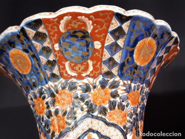 Antigüedades: Pareja jarrones. Porcelana. Imari. Japón. Siglo XVIII-XIX. - Foto 18 - 195388031