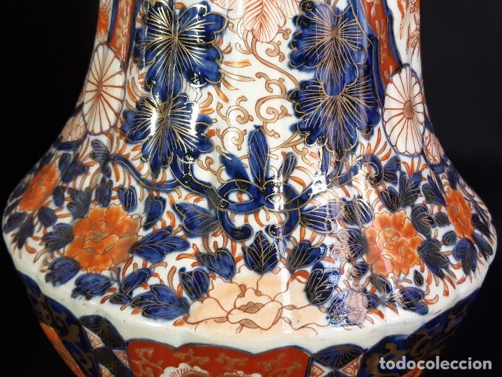 Antigüedades: Pareja jarrones. Porcelana. Imari. Japón. Siglo XVIII-XIX. - Foto 22 - 195388031