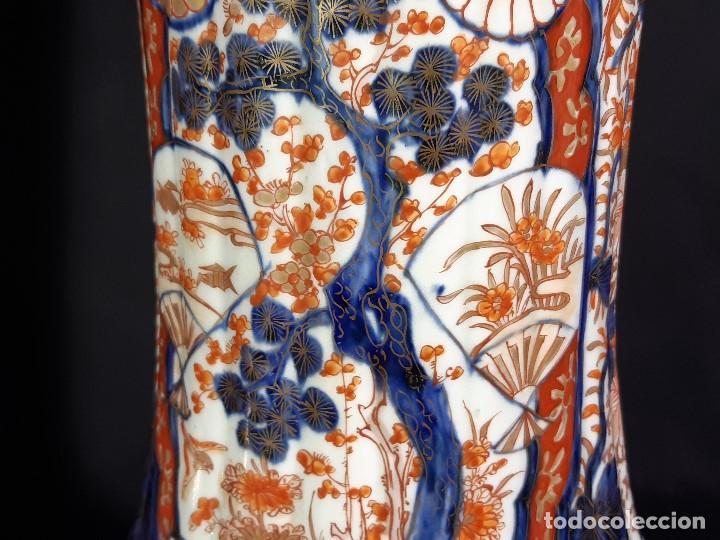 Antigüedades: Pareja jarrones. Porcelana. Imari. Japón. Siglo XVIII-XIX. - Foto 27 - 195388031
