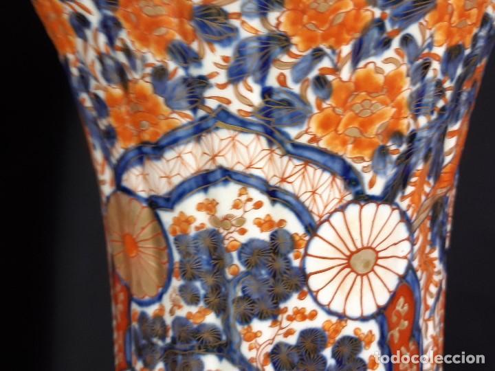 Antigüedades: Pareja jarrones. Porcelana. Imari. Japón. Siglo XVIII-XIX. - Foto 28 - 195388031