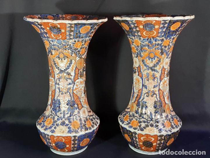 Antigüedades: Pareja jarrones. Porcelana. Imari. Japón. Siglo XVIII-XIX. - Foto 33 - 195388031