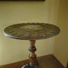 Antigüedades: MESA VELADOR TALLADA PINTADA A MANO. Lote 195389518