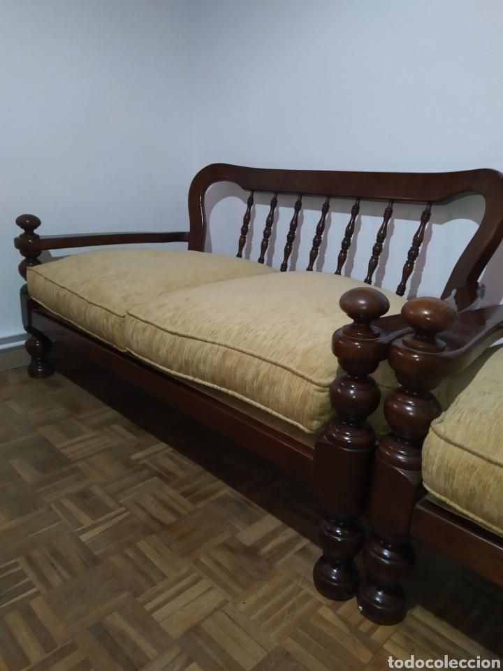 Antigüedades: Sofá y sillón de madera vintage - Foto 6 - 195394742