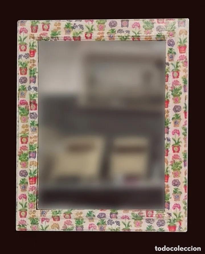 ESPEJO DECORADO CON MOTIVOS FLORALES, MACETAS, IDEAL. 73X59CM (Antigüedades - Muebles Antiguos - Espejos Antiguos)